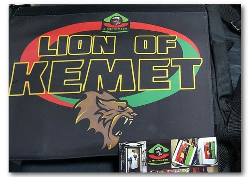 "GRAND Sac à bandoulière / BIG shoulder Bag / GRANDE Bolsa de ombro: ""LION OF KEMET"""
